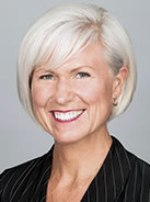 Anne Bradford Headshot